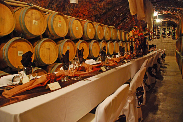 A dinner in the wine cave
