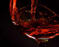 Study shows red wine could simulate effects of healthy diet, exercise